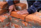 Kā sajaukt šķīdumu mūra ķieģeļiem