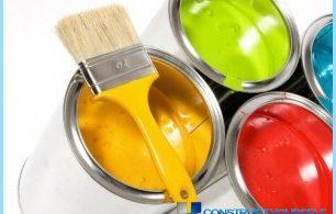 Kā izvēlēties krāsu uz koksnes izmantošanu iekšdarbiem un ārdarbiem